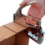 Скрепление картона